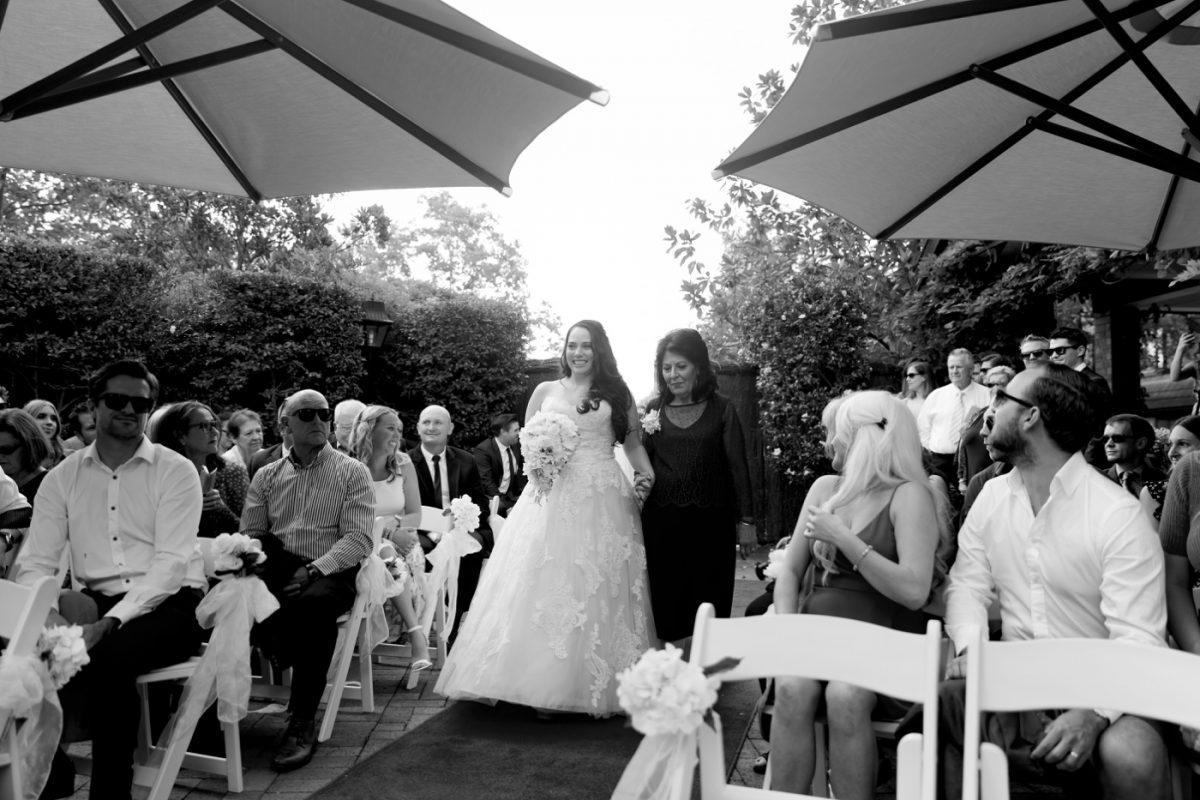 Hills-Lodge-Wedding-Karen-and-Clint-Wedding-Photographers-KarenGilvearPhotography_0016
