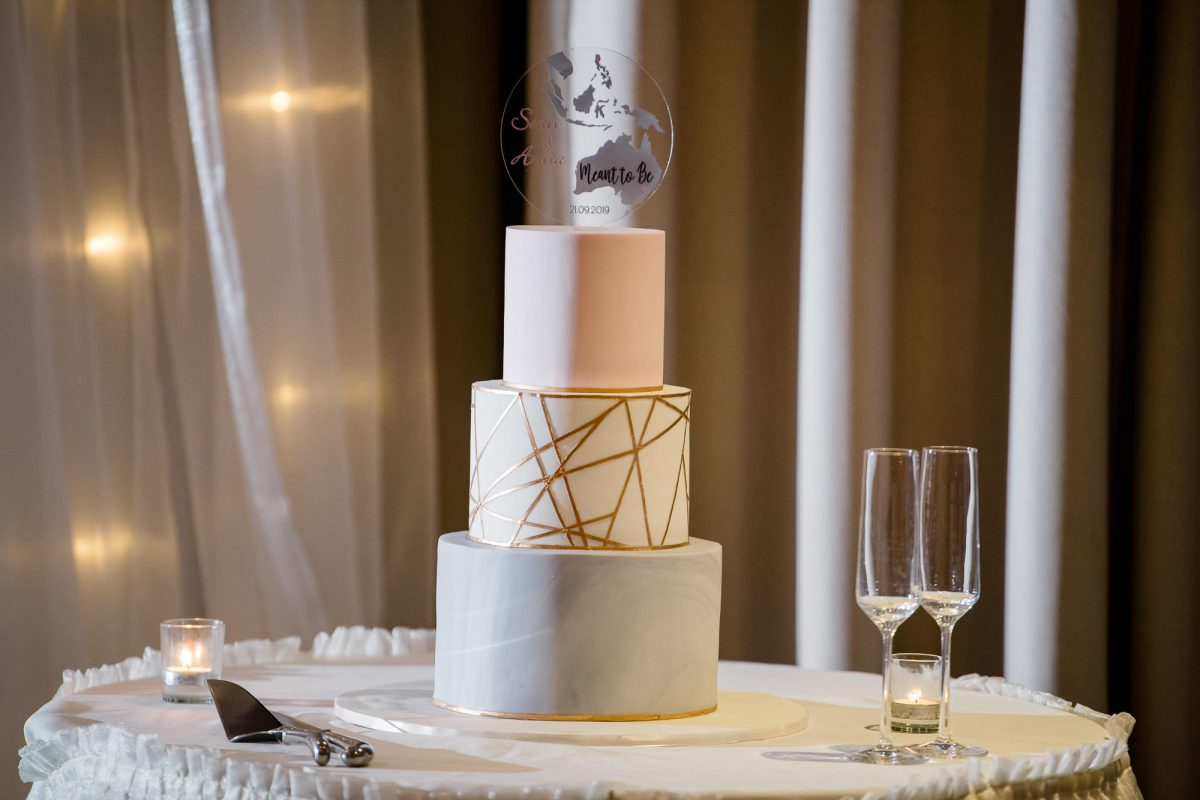 Hills-Lodge-Wedding-Wedding-Cake