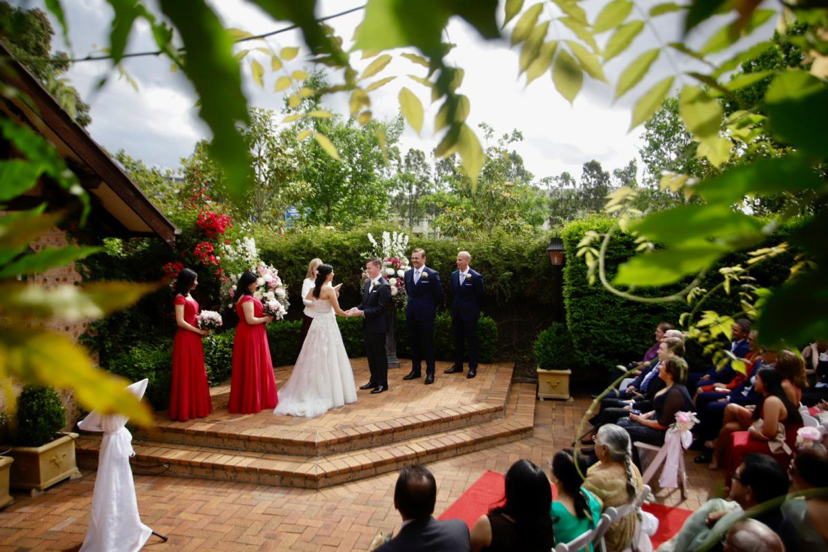 hills-lodge-wedding-ceremony-jess-and-time