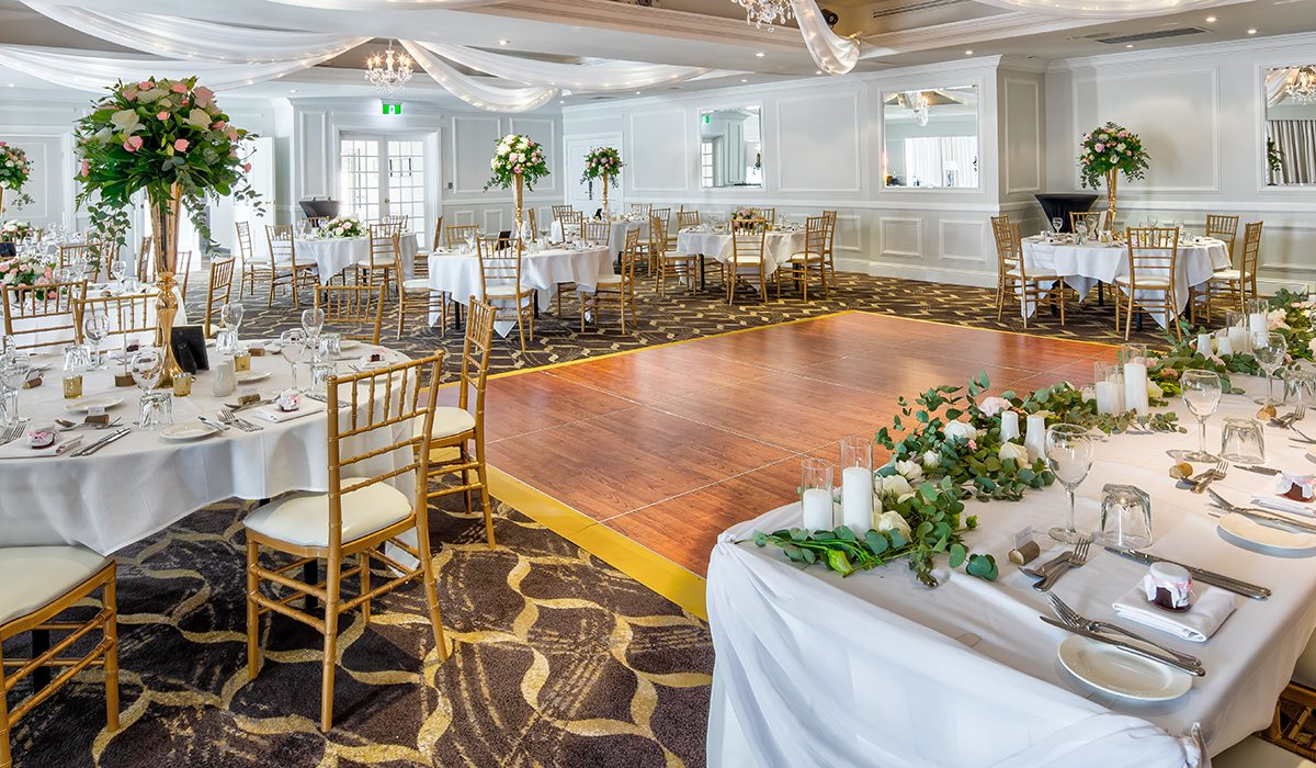 hills-lodge-castle-hill-weddings-dance-floor